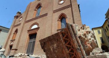 La ricostruzione dopo una catastrofe da spazio di attesa a spazio pubblico